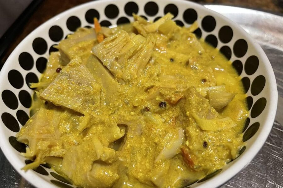 Delicious and Flavourful Raw Jackfruit Curry with Pumpkin Seeds