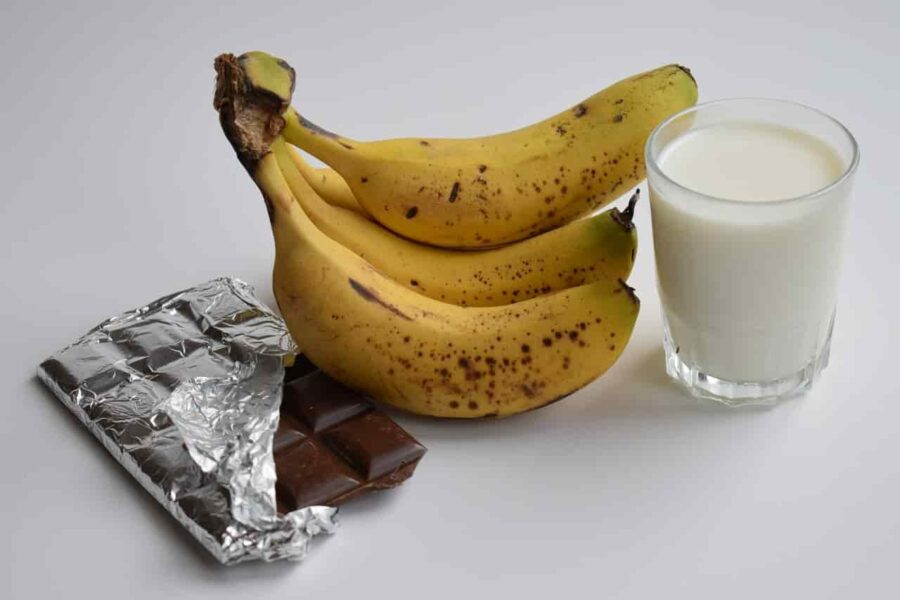 Banana Milk and Fruit Shakes lead to Bloating and Inflammation